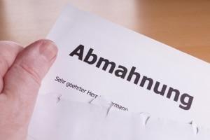 Abmahnungen können als Brief, Mail oder sogar mündlich erteilt werden.
