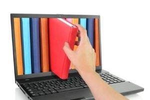 Bücher runterladen muss nicht illegal sein! Bei vielen Bibliotheken können Sie eBooks ausleihen.