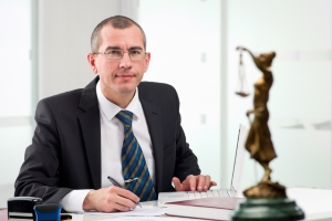 Ein Fachanwalt für Urheber- und Medienrecht zeichnet sich durch eine komplexe Fortbildung aus.