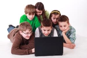 Sind Kinder als Filesharer aktiv, müssen unter Umständen die Eltern haften.