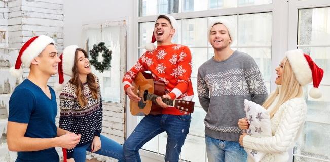 """Zur Kategorie """"gemafreie Weihnachtsmusik"""" fallen unter anderem """"We Wish You A Merry Christmas"""" und """"O Tannenbaum""""."""