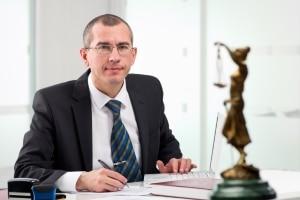 Ein Anwalt kann Sie bei der Geschmacksmusteranmeldung unterstützen.