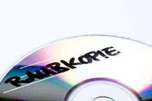 Raubkopien: Insbesondere bei Musik sollen illegale Kopien zu Umsatzeinbrüchen geführt haben.