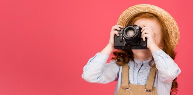 Durch das Recht am eigenen Bild können Kinder über die Veröffentlichung ihrer Fotos mitentscheiden.