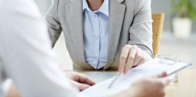 Strafbewehrte Unterlassungserklärung: Ein Anwalt kann Ihnen die Gefahren – wie die Vertragsstrafe – zeigen.