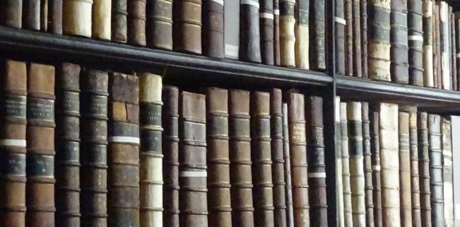 Die Rahmenbedingungen für die Ausleihe ergeben sich aus dem Urheberrecht in der Bibliothek.