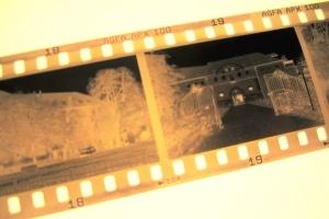 Unter dem Schutz vom Urheberrecht für Bilder stehen sowohl analoge als auch digitale Fotografien.