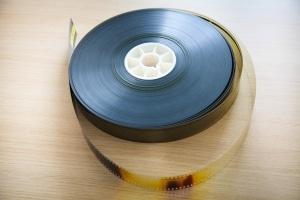 Durch die Digitalisierung bleiben verwaiste Werke wie Filme erhalten.
